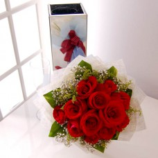 Hand Bouquet of 12 Stalks of Red Roses
